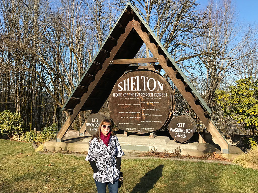 Shelton City Sign with Mumzies
