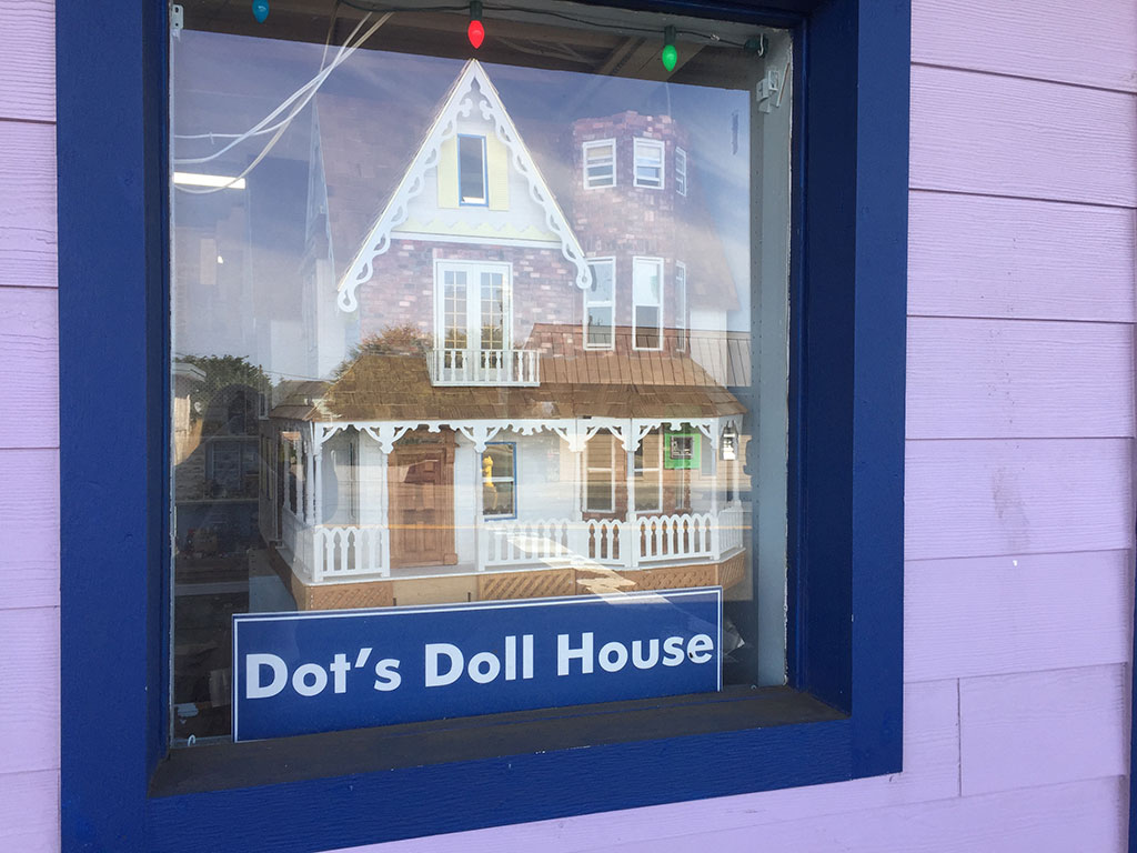 Dot's Doll House