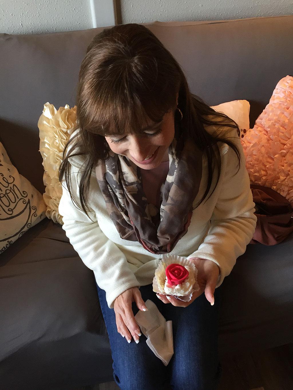 Mumzies Looking At Cupcake